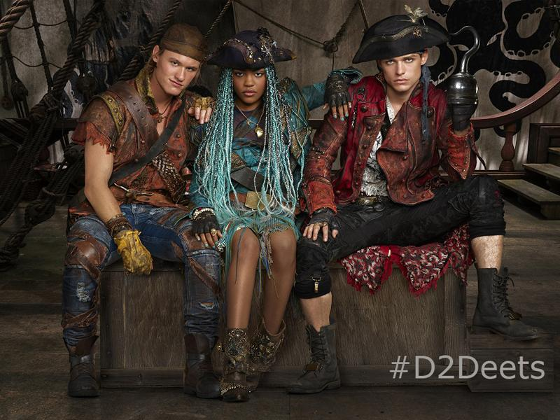 China Anne McClain, Dylan Playfair, Thomas Doherty.